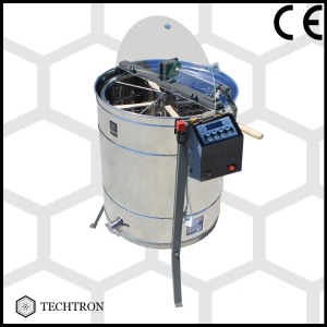 Cassette honey extractor with 4 frames