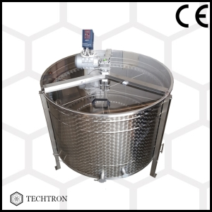 Radial honey extractor with 70 frames